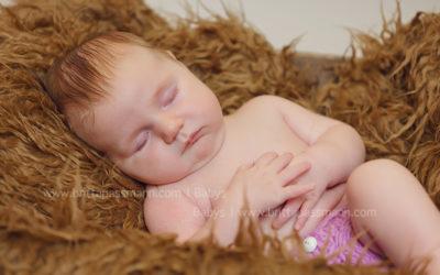 Babyfotos Essen | Fiona | 5 Wochen