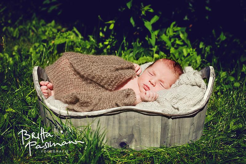 Jonathan | 7 Tage alt | Neugeborenenfotografie Dortmund