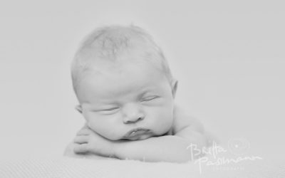 Neugeborenenfotografie in Dortmund | Sophie | 10 Tage