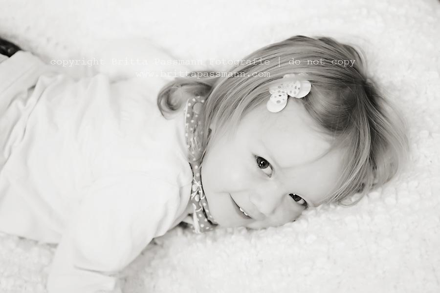 Natürliche Kinderfotografie Dortmund | Zoe | 2 Jahre