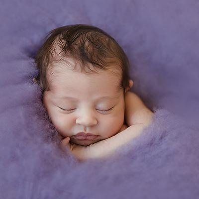 Neugeborenenfotos Dortmund | Babyfotos im Fotostudio | Lamiya | 14 Tage alt