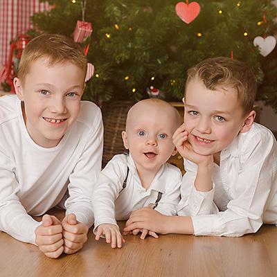Kinderfotos und Babyfotos zu Weihnachten im Fotostudio in Dortmund