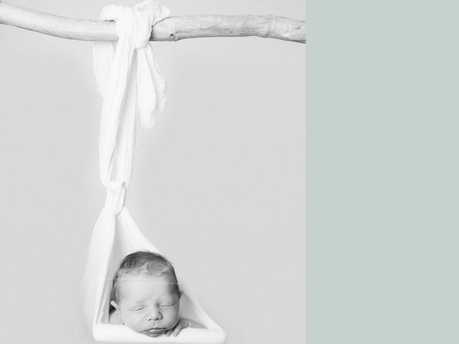 Neugeborenenfotos im Fotostudio in Dortmund | Luis | 8 Tage