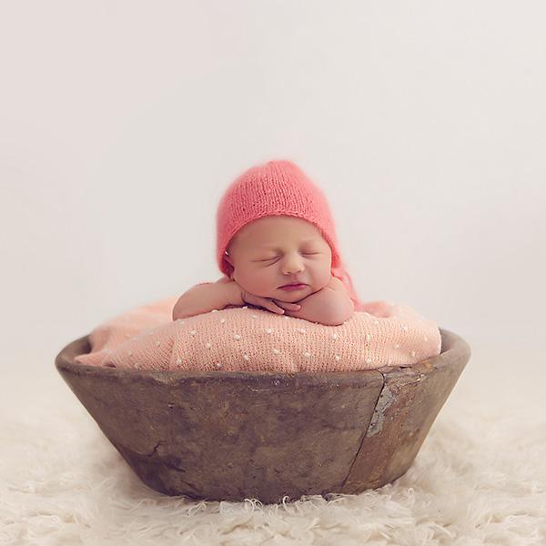 Neugeborenenfotos von Elisa – Fotoshooting im Atelier in Dortmund Sölde