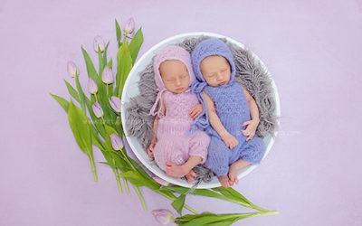 Zwillinge – Fotoshooting mit neugeborenen Mädchen in Dortmund