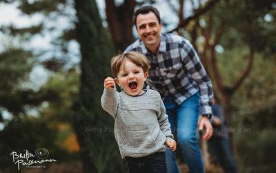 Herbstliche Kinderfotos und  Familienfotos draußen in der Natur