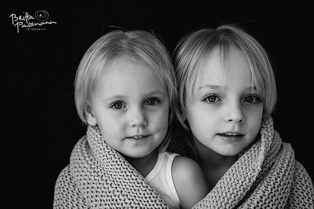 04-Britta_Passmann-kinderfotos_schwarzweiss-Fotoshooting_Kinder-Fotoshooting_dortmund