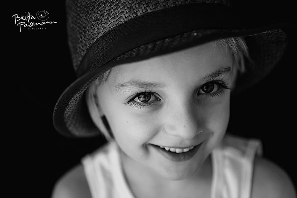 kinderfotos_schwarzweiss-Fotoshooting_Kinder-Fotoshooting_dortmund