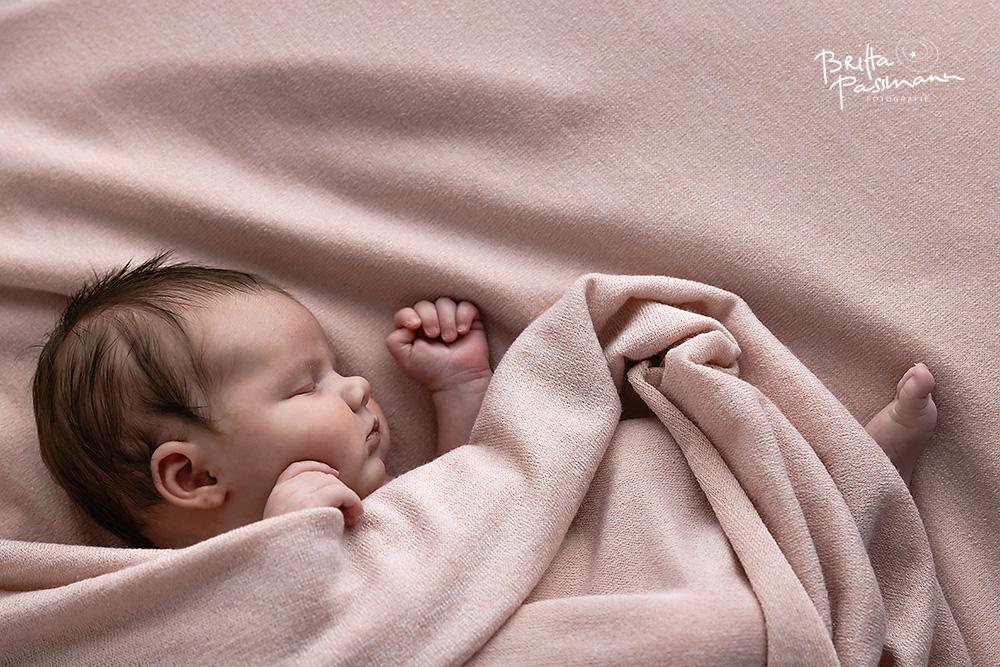 01_Britta-Passmann-Fotografie-Dortmund-Neugeborenenfotos-Newbornfotos-Babyfotos-Fotoshooting